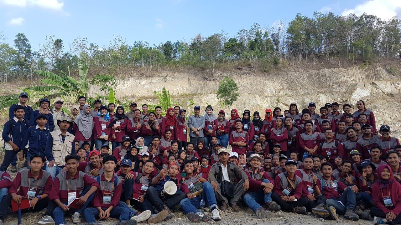 GL 2 - Jurusan Teknik Geologi IST AKPRIND 1