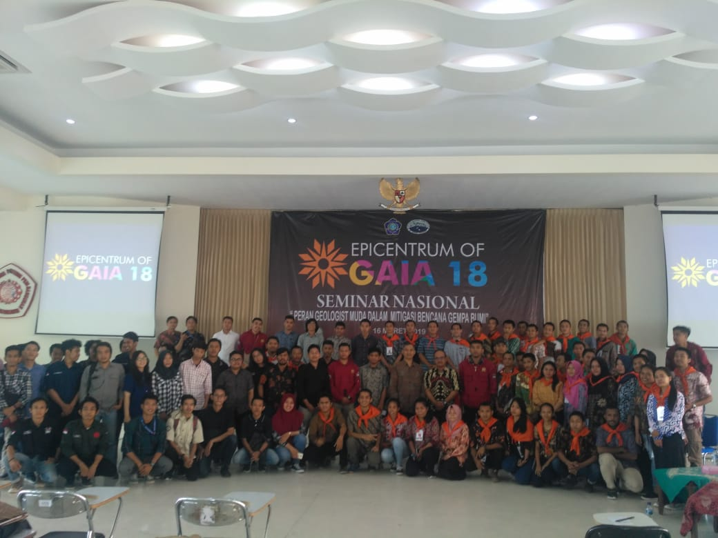 Seminar Nasional Epicentrum of GAIA 18 - Teknik Geologi IST AKPRIND (6)