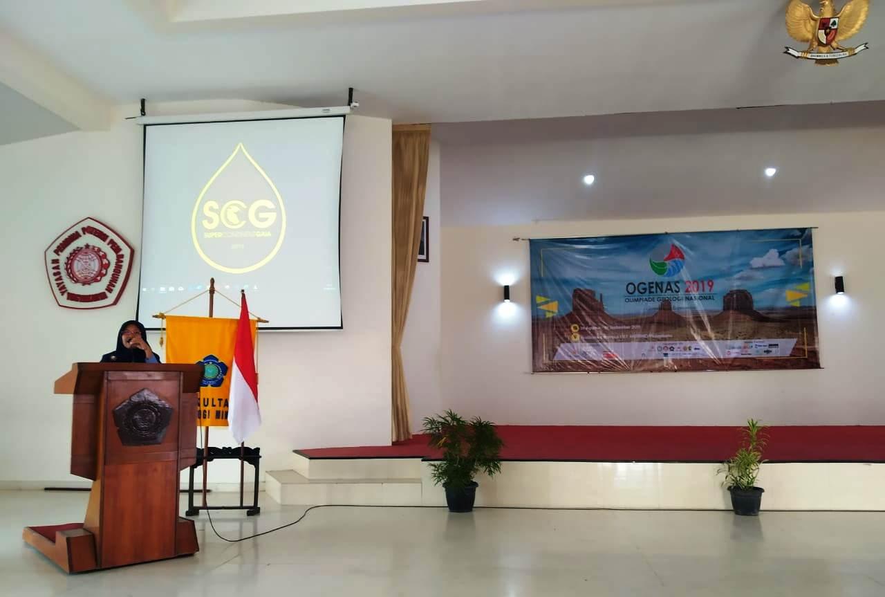 sambutan Dekan Fakultas Teknologi Mineral acara OGENAS 2019